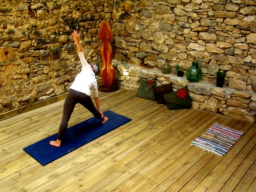 yoga practice at the Abella Eco-Refugi