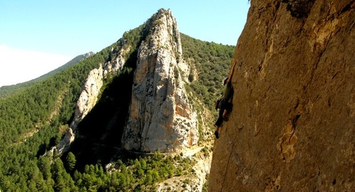 Shaded climbing in northwest Catalunya